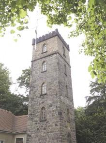 Während die Bäume rings um den Hutbergturm in 144 Jahren erheblich gewachsen sind, behielt das Bauwerk selbst seine ursprüngliche Höhe.